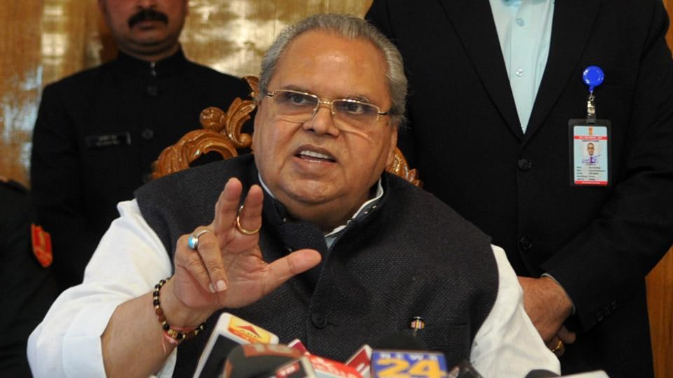 Goa Governor Satya Pal Malik, who till recently was the Governor of Jammu and Kashmir, on Thursday said that he still suffers from a Kashmir hangover.
