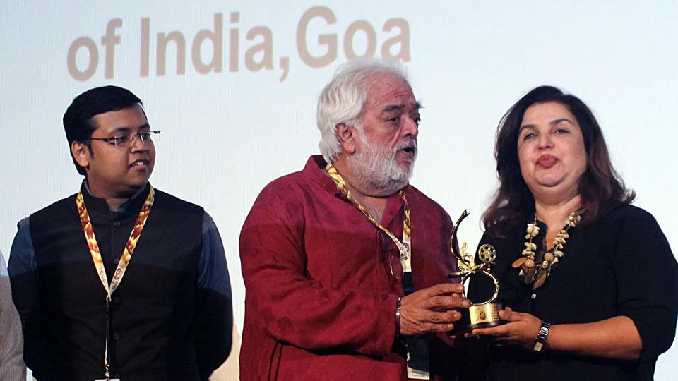 Director, Rahul Rawail felicitating Director and Producer, Farah Khan at the 50th International Film Festival of India (IFFI-2019), in Panaji on Wednesday.