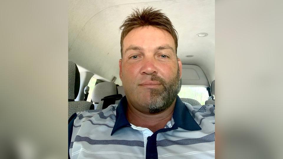 Jacques Kallis shaved exactly half his beard and moustache for a challenge.