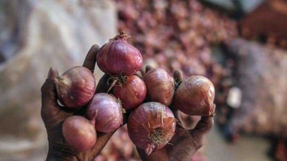 A trader lost his consignment of the bulb, worth Rs 20 to 22 lakh, which has possibly been stolen.