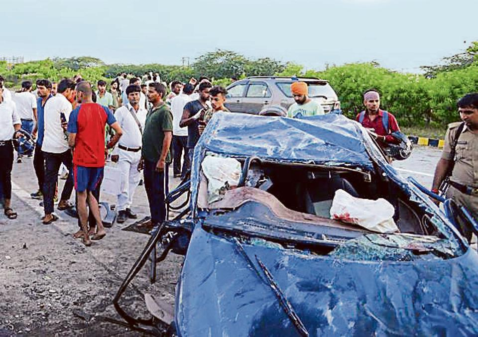 Four of a family were killed in a car crash on the Mumbai Pune Expressway in the early hours on Friday