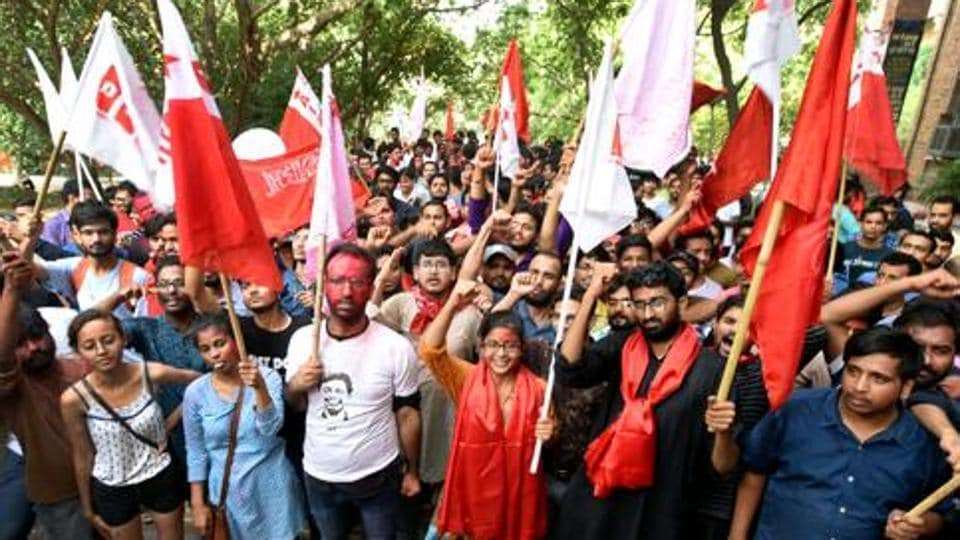 A group of SFI activists also sat in front of the University campus, demanding action against KSU workers. (Representational image)