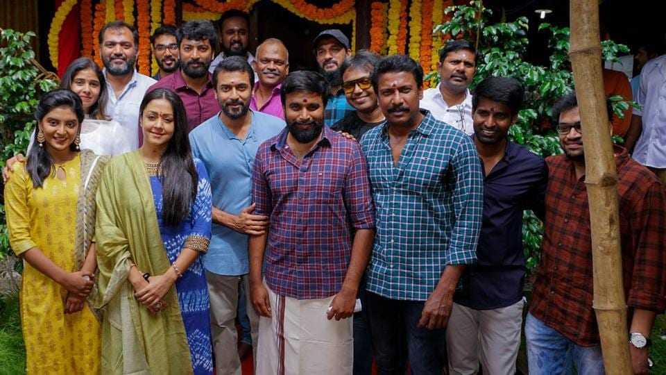 Jyotika with the cast and crew of her film.