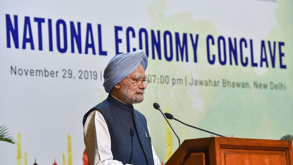 Former prime minister Manmohan Singh addresses the valedictory session of National Economy Conclave, in New Delhi.