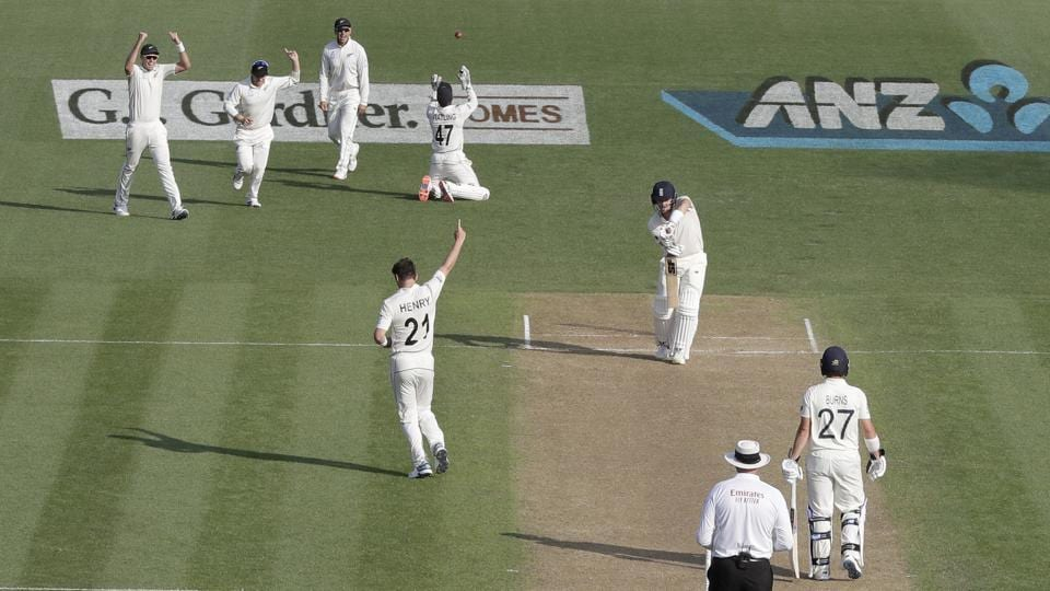 New Zealand's Matt Henry (21) celebrates after taking thew wicket of England's Joe Denly.