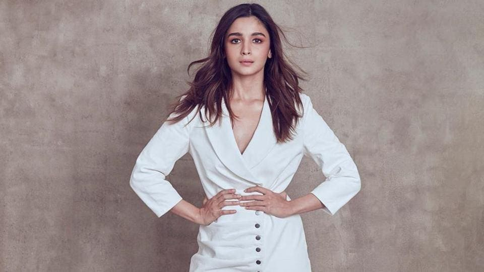 Alia and sister Shaheen made an appearance at an event for We The Women Asia, where they also spoke about Shaheen's book about her battle with depression, Never Been (Un)Happier. Alia wore a white suit dress by Retrofête and matching strappy shoes by Sophia Webster. The Gully Boy actor sported minimal dewy make-up as always, and her subtle but strong look is love. (iNSTAGRAM)