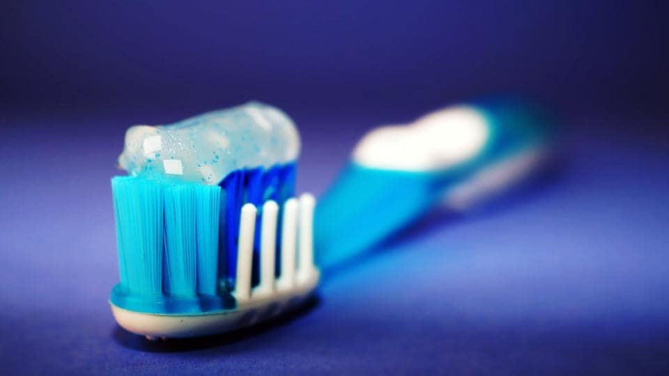 Tooth brushing three or more times a day was associated with a 10 per cent lower risk of atrial fibrillation and a 12 per cent lower risk of heart failure during 10.5-year follow up.