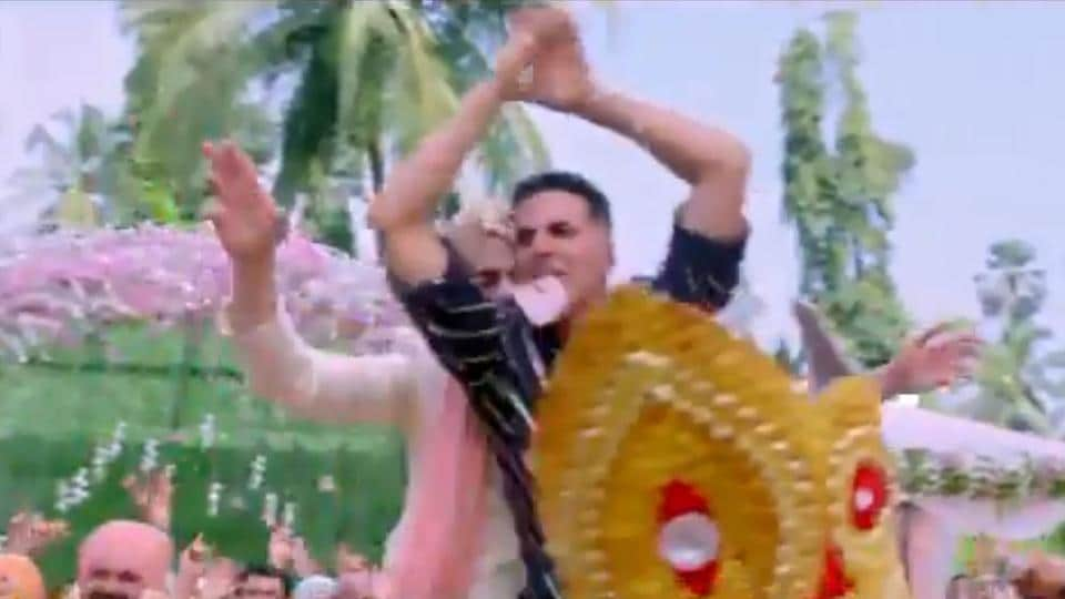 Akshay Kumar will be seen performing nagin dance in the Good Newwz song Sauda Khara Khara.