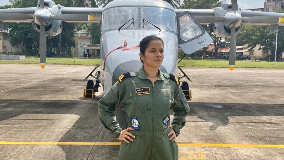 Sub lieutenant Shivangi is the first woman pilot in Indian Navy.