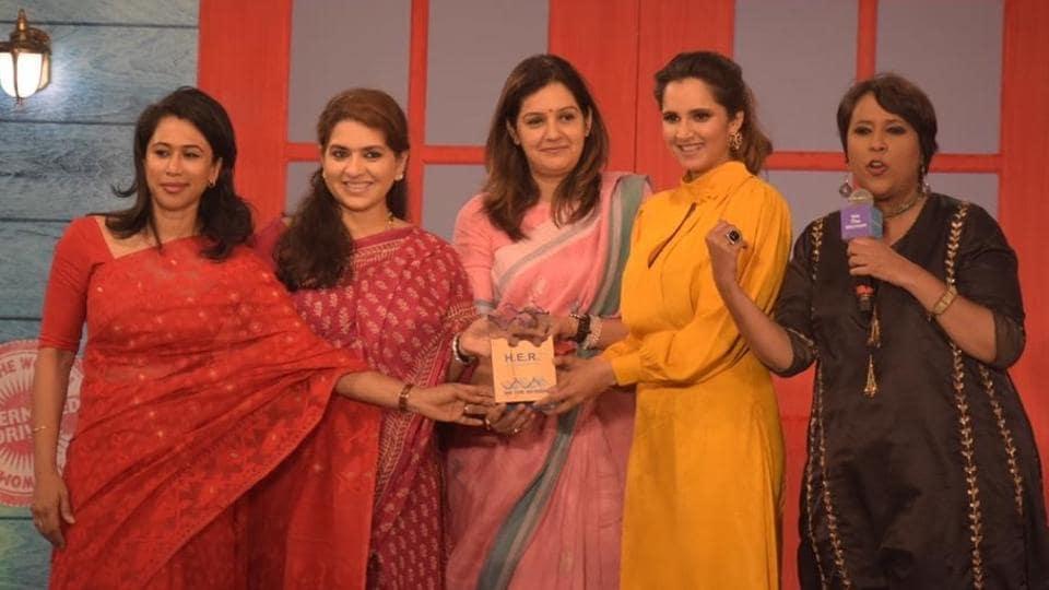 Dr Shama Mohamed, Shaina NC, Priyanka Chaturvedi, Sania Mirza and Barkha Dutt at the event.