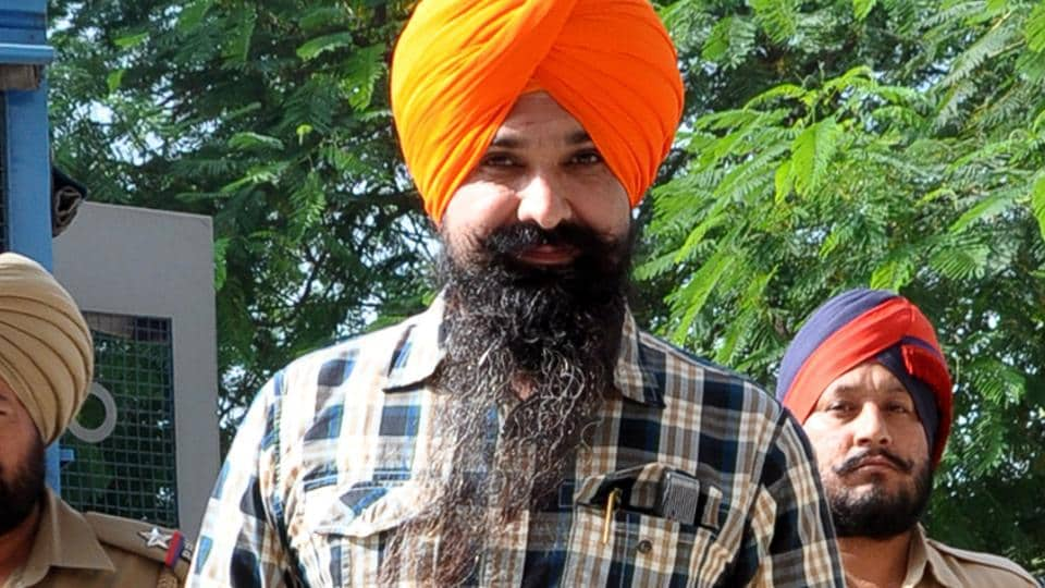 Patiala ::: Ht Punjab ::: Balwant Singh in Patiala court ::: caption ::: Balwant Singh Rajoana been produced in district court Patiala. Ht File photo.