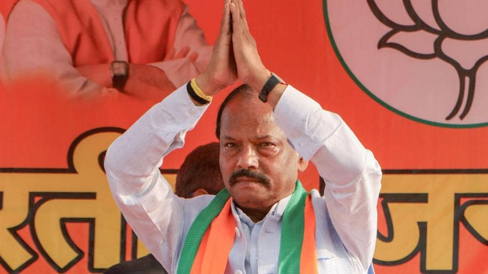 Jharkhand Chief Ministers Raghubar Das greets a gathering during an election campaign rally for assembly elections, at Chakradharpur in West Singhbhum district, Friday, Nov. 29, 2019.
