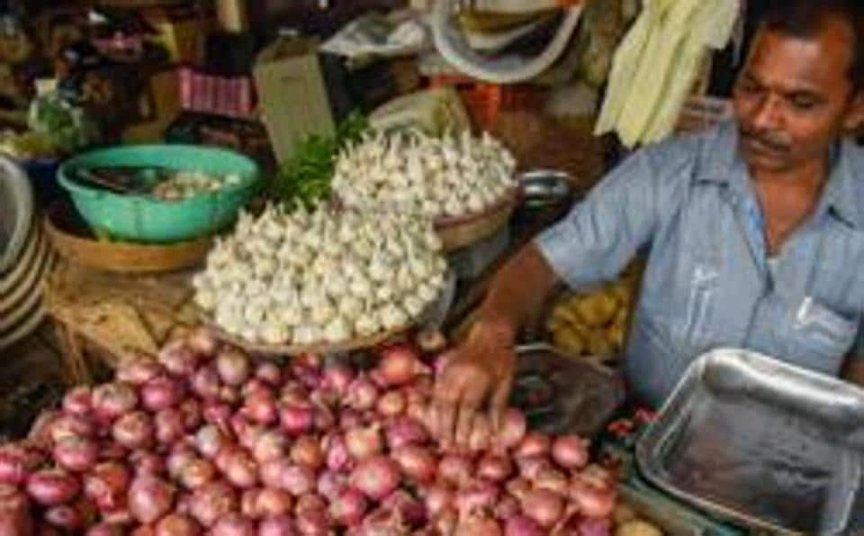 Along with onion prices, garlic rates are flying below the radar, but are also on the rise across the country.