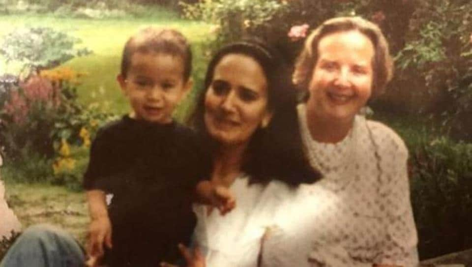 TigerShroff's mom shares throwback pic of the star, wishes his grandmothers had...