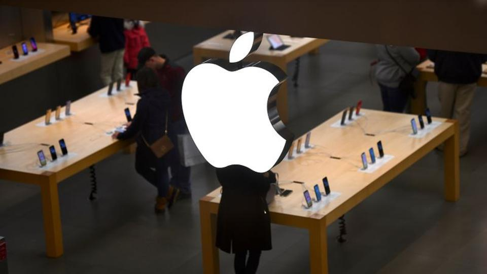 An Apple logo is seen at an Apple store as pre-Thanksgiving and Christmas holiday shopping accelerates at the King of Prussia Mall in King of Prussia, Pennsylvania, U.S. November 22, 2019.