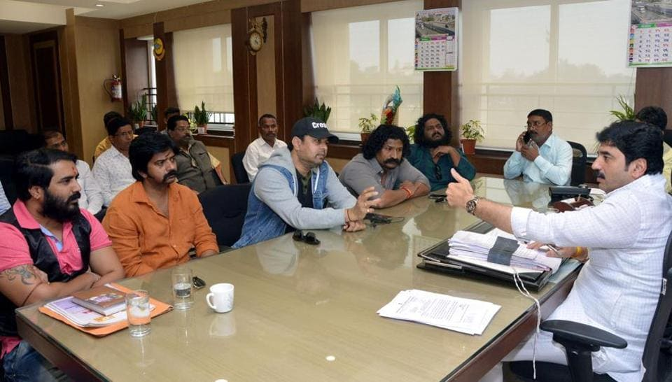 Actors of the Marathi film industry met Pune mayor Murlidhar Mohol (right) on Friday to raise awareness about women's safety amidst rise in crime against women in the country.