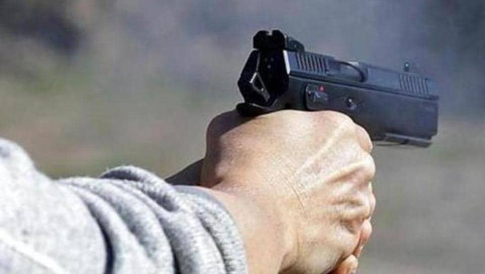 A constable of the Central Reserve Police Force (CRPF), deployed on election duty in Jharkhand, shot dead two of his seniors and injured another in Bokaro late on Monday.