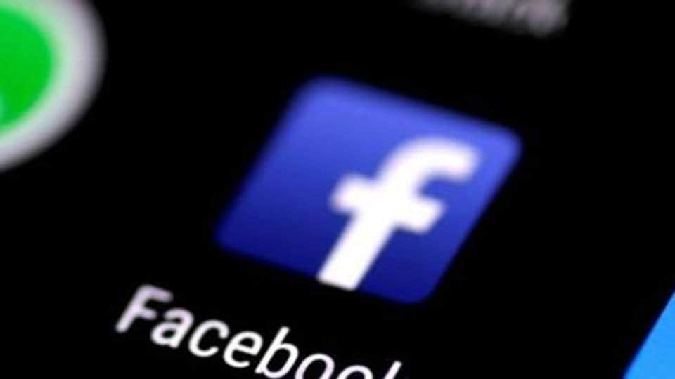 Australia's government said technology companies like Facebook and Google would need to agree to the new rules by November 2020 or it will impose them. REUTERS/Thomas White