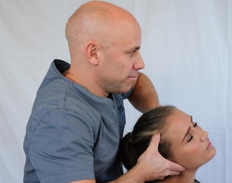 Thai massage has several benefits.