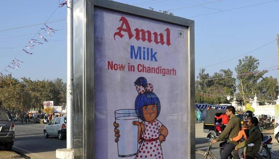 Both the dairy majors – Amul and Mother Dairy –said they pass on 80% of the sales revenue from consumer liquid milk to dairy farmers.