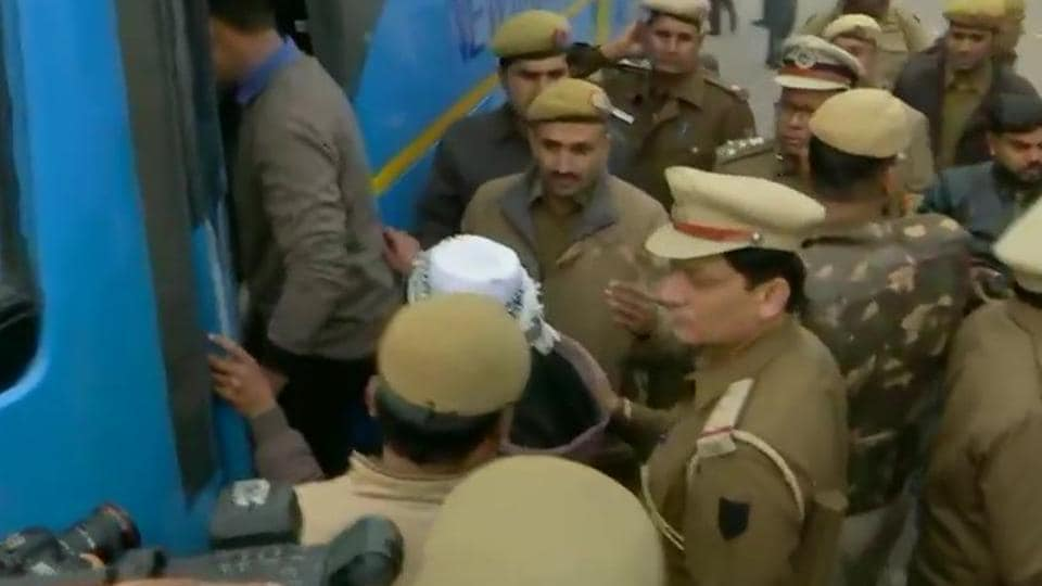 Delhi Police personnel detaining the protesters near Red Fort onThursday morning.