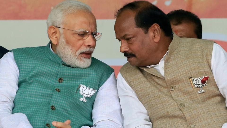 Prime Minister Narendra Modi with Raghubar Das.