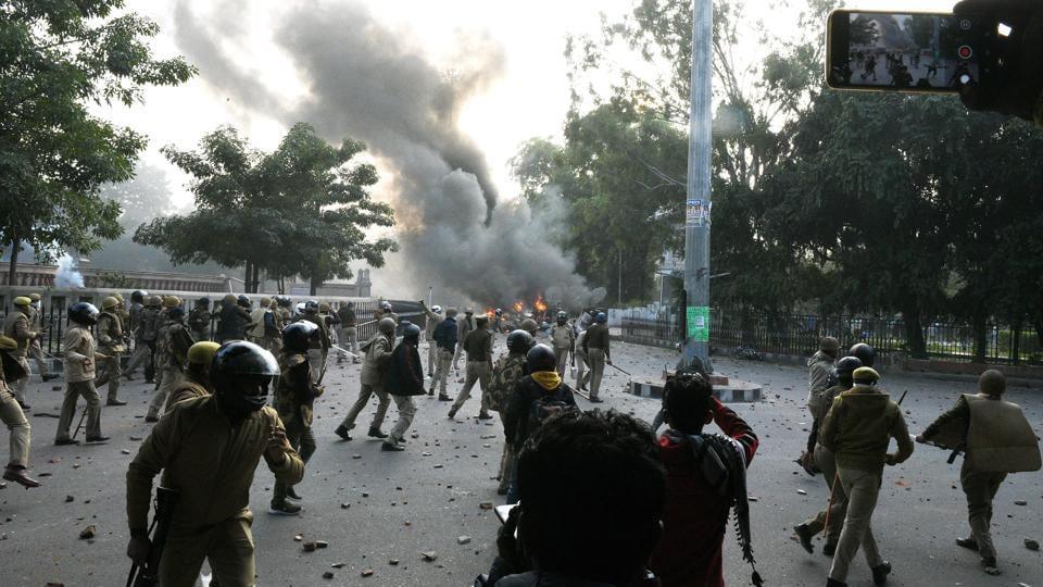 Violent protests erupted across Uttar Pradesh after the Friday namaz on December 20.(HT File)