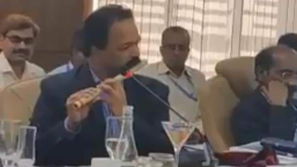The video of the flute performance by a senior ISRO scientist has become an internet rage with more than 28,000 views. In the comments section of the post, netizens applauded Kunhikrishnan's skill.