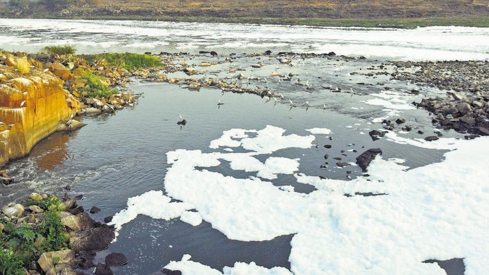 The froth at Mundhwa jackwell emits foul smell and the filthy water is being used for irrigation purposes by the nearby areas.