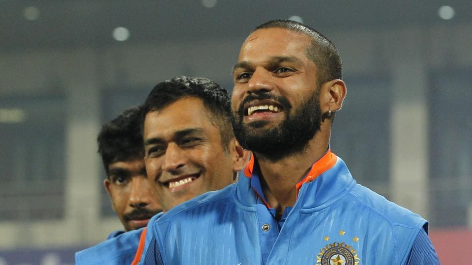 File image of MS Dhoni (C) with Shikhar Dhawan (R)