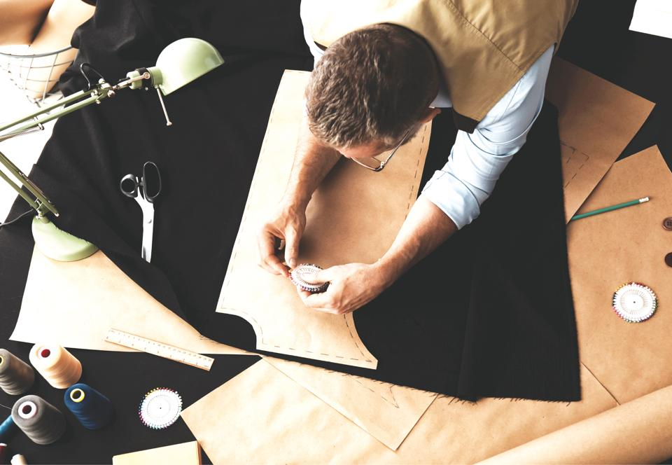 The easiest way to see the tailor's house style is to see how the tailor is dressed