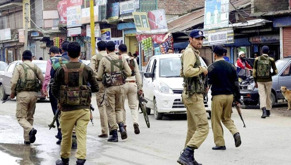 The militants and the police officer were in a vehicle that belonged to the DSP, when they were arrested in a joint operation of police and Army on the national highway near Mirbazar