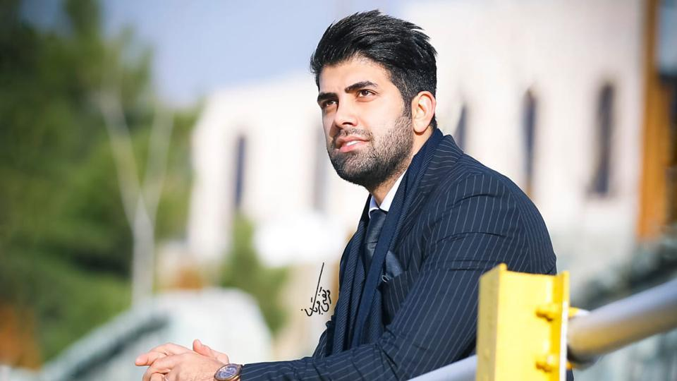 Mehdi is an Iranian businessman, who has now donned the role of lifestyle influencer.