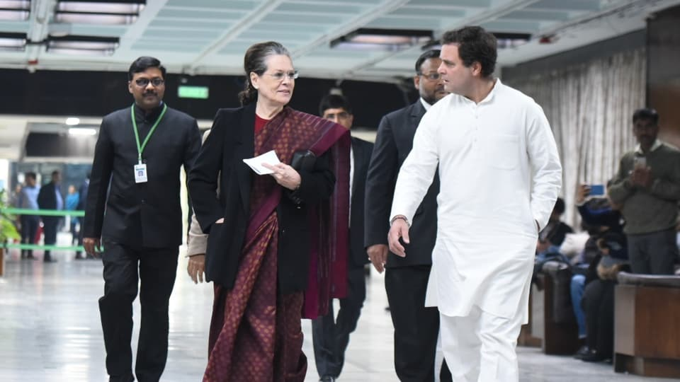 Congress president Sonia Gandhi, along with Rahul Gandhi, arrives for attending the Opposition Party Meeting at the Parliament Annexe in New Delhi on Jan 13, 2020.  (Photo by Sonu Mehta/HT)