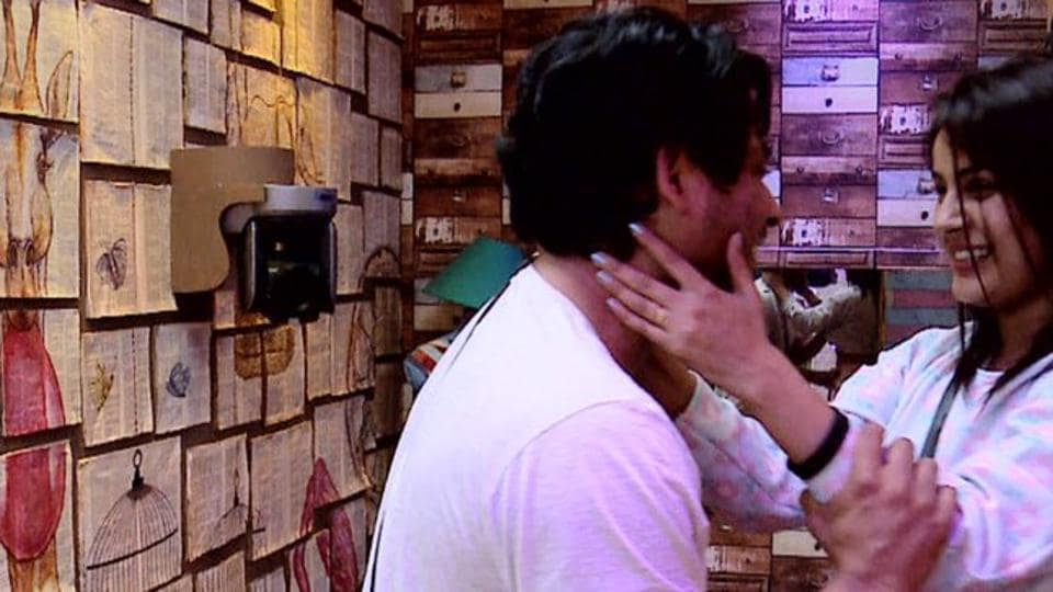 Shehnaaz Gill and Sidharth Shukla were seen rekindling their relationship in the latest episode.