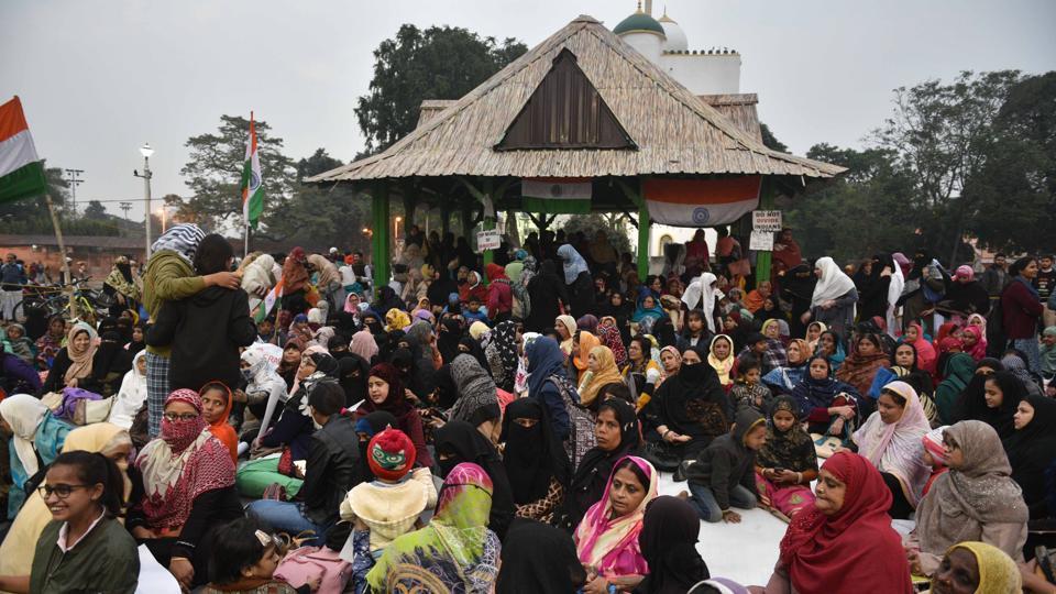 On eighth day, Kolkata's 'Shaheen Bagh' agitation is growing - india news - Hindustan Times