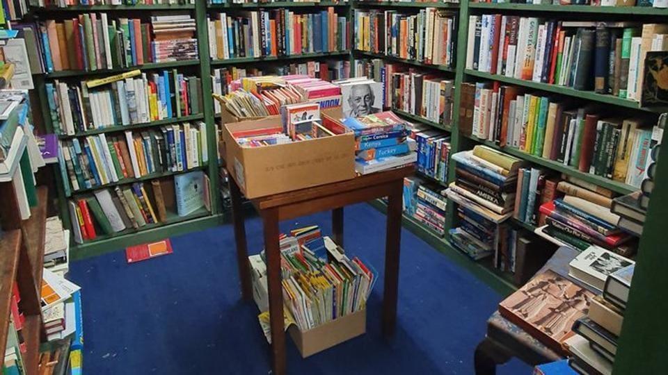 After Neil Gaiman's tweet, people overflowed the bookshop with orders.