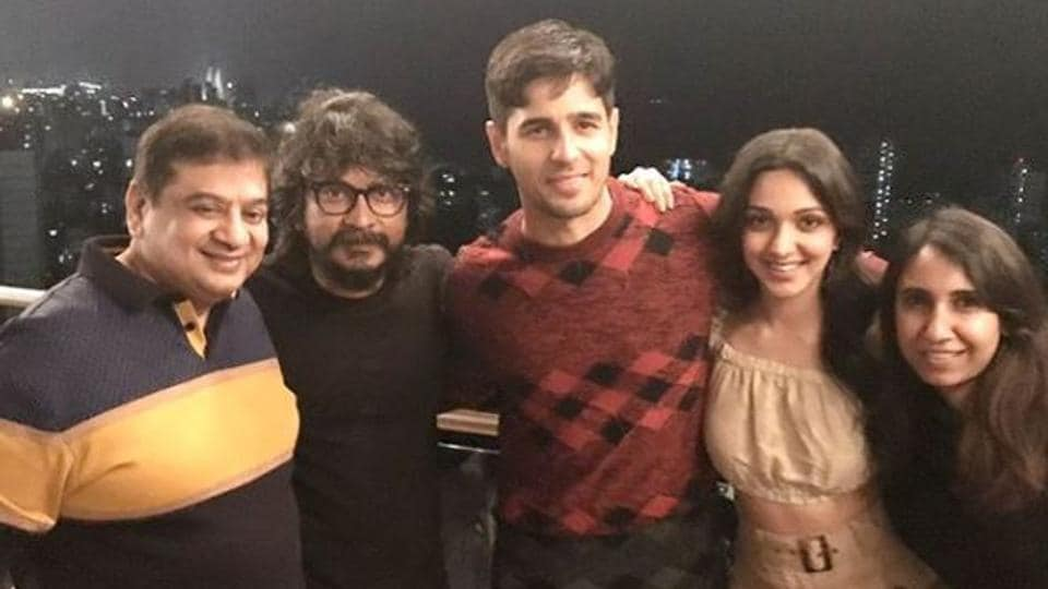 Sidharth Malhotra, Kiara Advani with friends at his birthday party.
