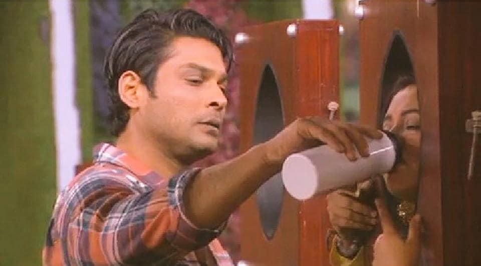 Bigg Boss 13: Sidharth Shukla, Rashami Desai come close in family week, fans call the show 'scripte...