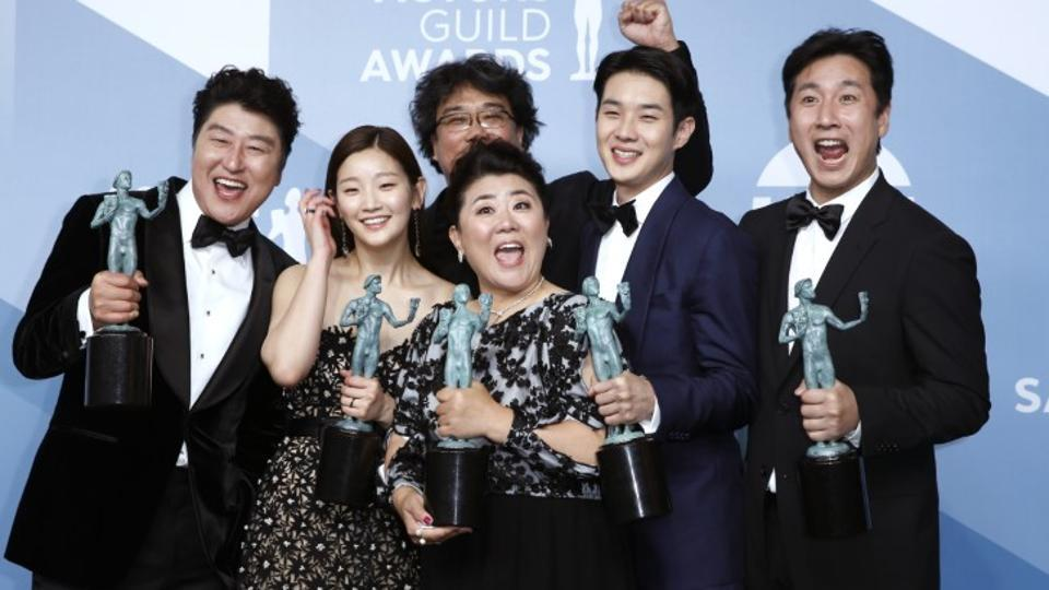 26th Screen Actors Guild Awards:The cast of Parasite poses backstage with their Outstanding Performance by a Cast in a Motion Picture award.