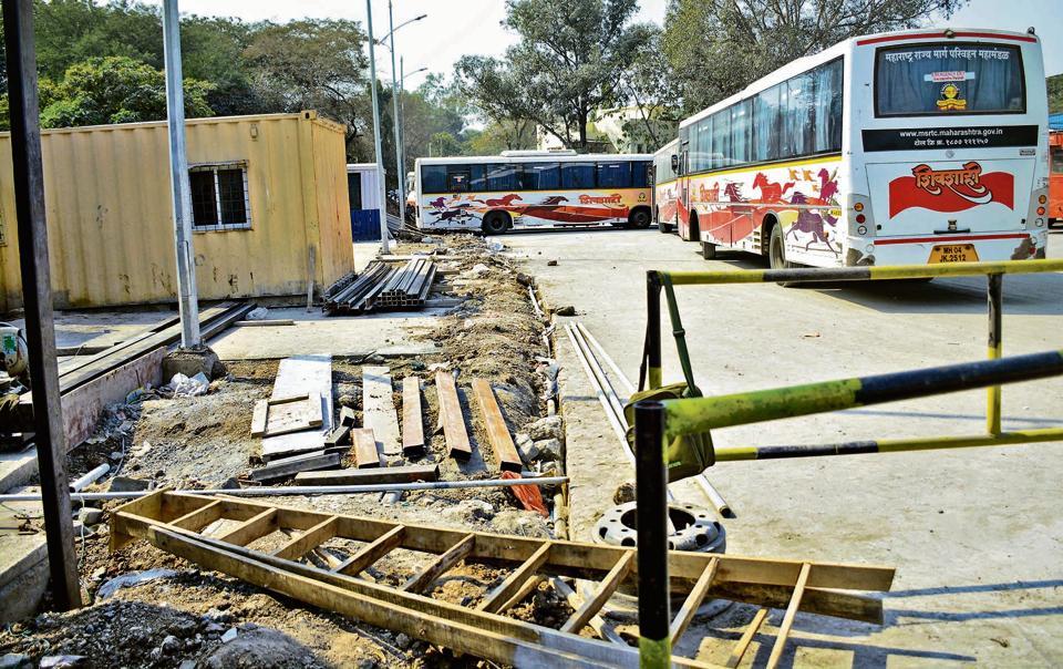 Wakadewadi bus stand.