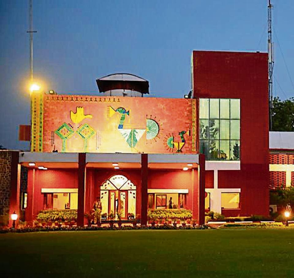 Punjab government and UT administration will share expenditure for new construction at Punjab Raj Bhawan in 85:15 ratio; all works expected to be completed in a year and a half.