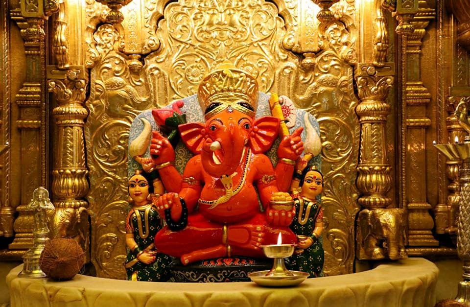 Maharashtra, Jan 21 (ANI): A devotee from Delhi has donated gold plating weighing around 35 kg, worth around Rs 14 crores to Mumbai's Shri Siddhivinayak Temple on Tuesday. (ANI Photo)
