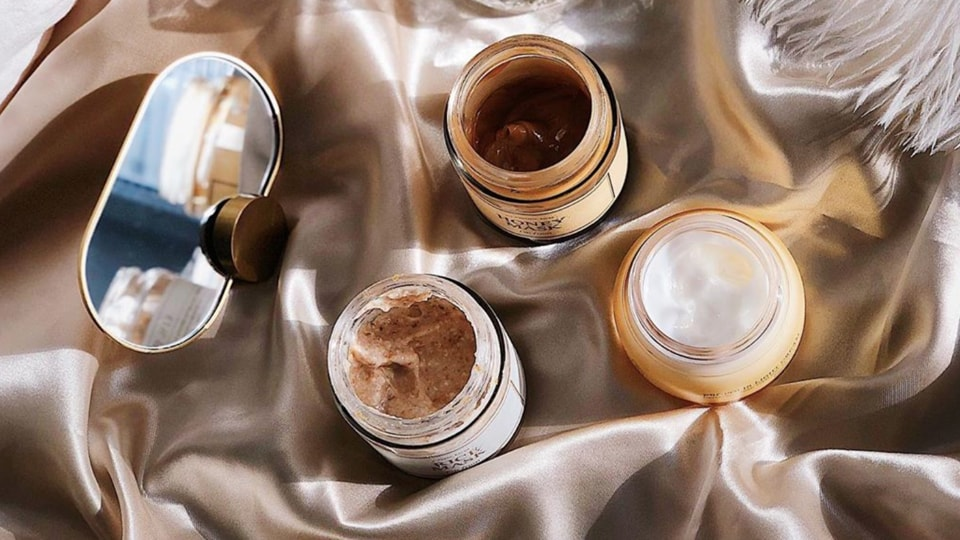 Here's guide to clean make-up and skincare that is devoid of harmful chemicals and toxic ingredients.