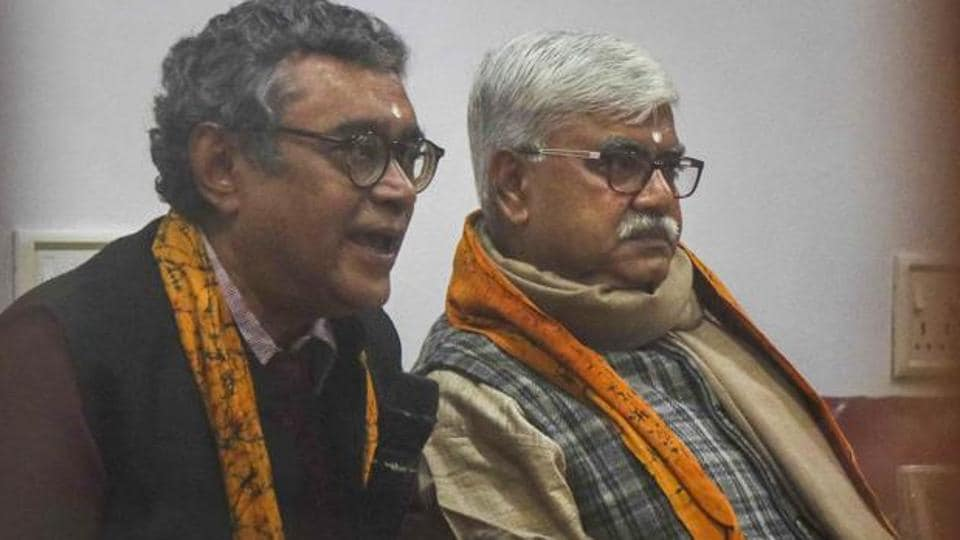 Swapan Dasgupta was locked up by protestors while he delivered a lecture on the CAA at Viswa Bharati University on Jan. 8