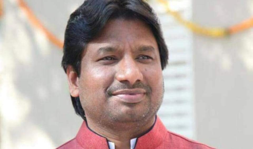 Congress corporator Avinash Bagwe (in pic), who raised this issue,also put forward in the general body meeting, a comparison of what other civic bodies are paying for the same post.