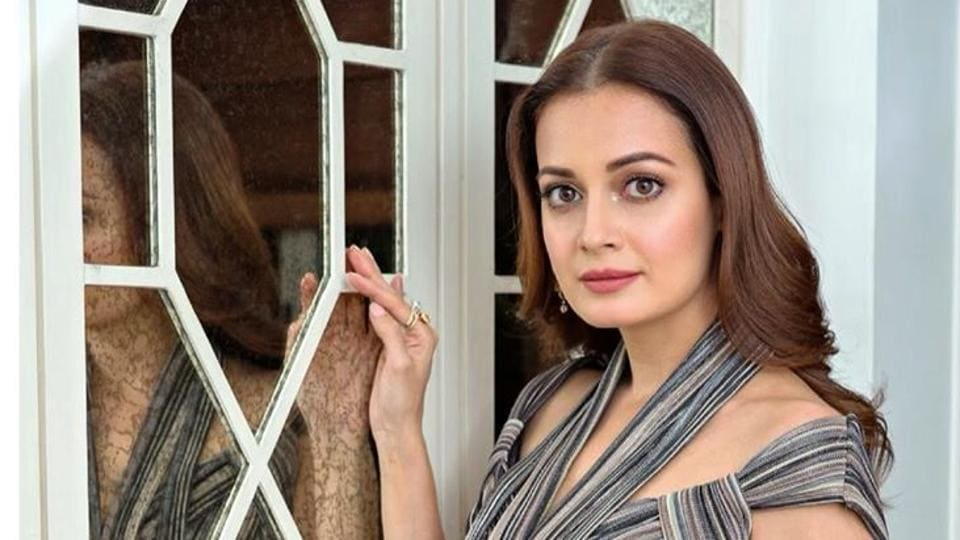Dia Mirza was stalked when she was younger, says 'I confronted him and asked him his name' - bollywood - Hindustan Times