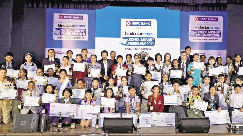 Winners of the Hindustan Times Scholarship Programme 2019 at the Nehru Memorial hall, Camp on Thursday, with actor Shilpa Tulaskar, actor Pushkar Jog, national-award winning director Sujay Dahake, Rohit Pokhriyal, cluster head Pune and senior vice-president retail branch banking of HDFC Bank, and Abhay Vaidya, resident editor, Hindustan Times, Pune.
