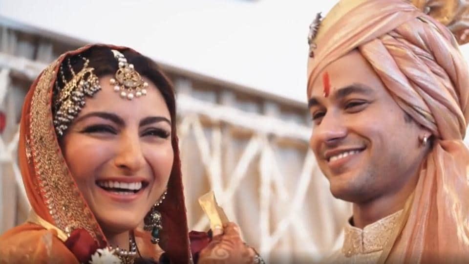 Kunal Kemmu shares unseen wedding video on anniversary with Soha Ali Khan, pens romantic note - bollywood - Hindustan Times