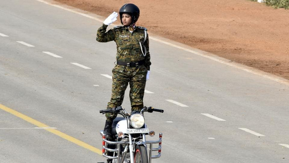 An all-woman bikers contingent of the Central Reserve Police Force (CRPF) also made its debut at the 71st Republic Day. Inspector Seema Nag, who is posted with the Rapid Action Force (RAF), commanded the contingent. (Sonu Mehta / HT Photo)